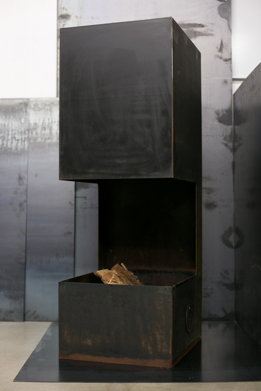 outdoor fireplace carbon theory metalcraft